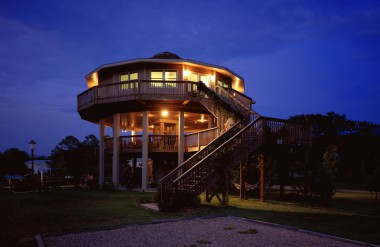 round prefabricated deltec homes